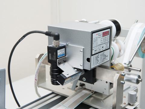 OCR機能付きの印字検査カメラ